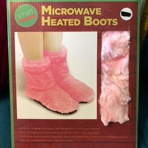 Microwaveable heated slippers